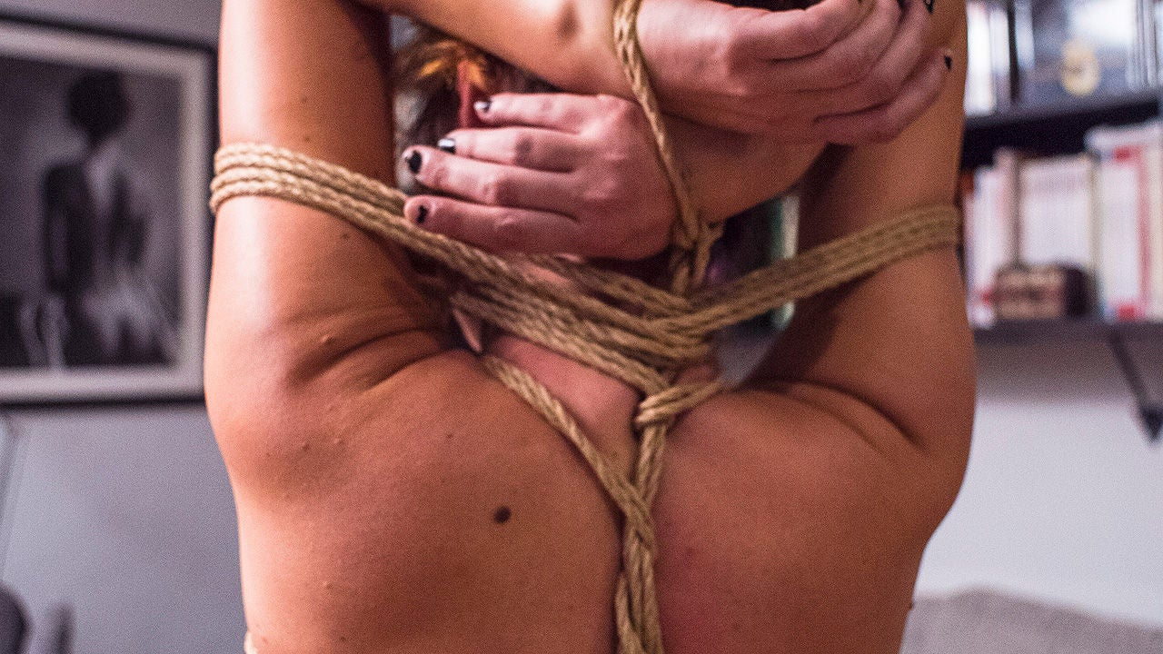 Agencias matrimoniales Reus bondage silla